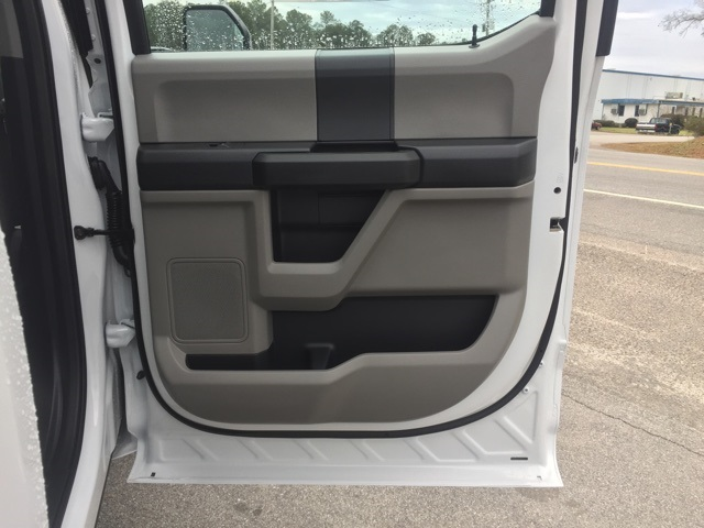 2019 Ford F-550 Crew Cab DRW 4x2, Cab Chassis #T6134 - photo 30