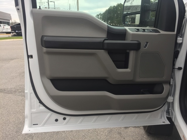 2019 Ford F-550 Crew Cab DRW 4x2, Cab Chassis #T6134 - photo 31