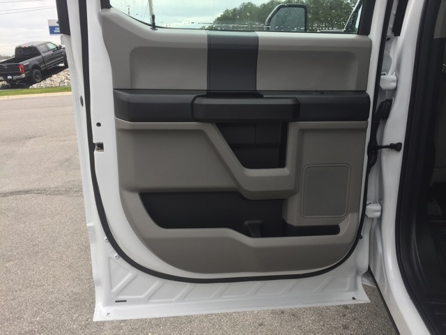 2019 Ford F-550 Crew Cab DRW 4x2, Cab Chassis #T6134 - photo 32