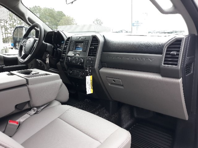 2019 Ford F-450 Crew Cab DRW 4x2, Cab Chassis #T6135 - photo 23