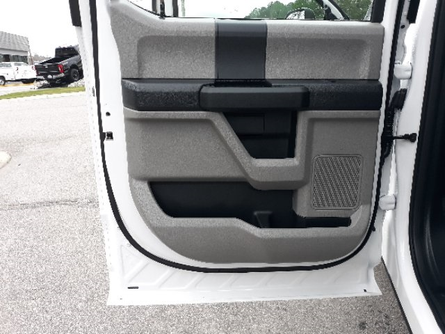2019 Ford F-450 Crew Cab DRW 4x2, Cab Chassis #T6135 - photo 28