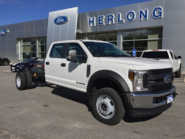 2019 Ford F-450 Crew Cab DRW 4x4, Cab Chassis #T6136 - photo 14