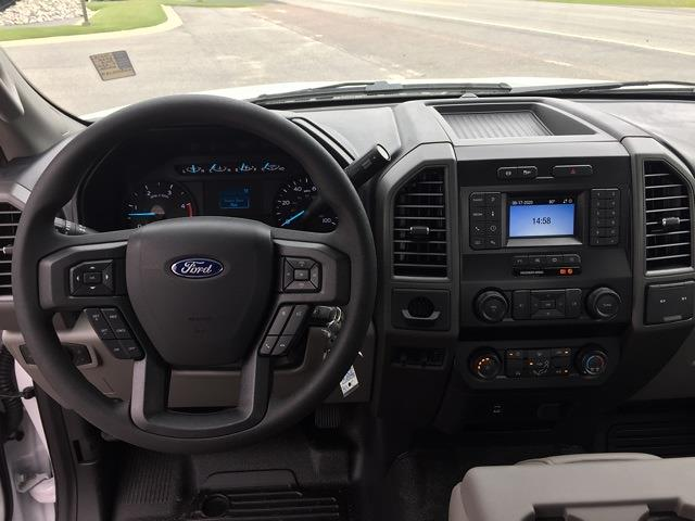 2020 Ford F-550 Regular Cab DRW 4x2, Knapheide PGND Gooseneck Platform Body #T6275 - photo 3
