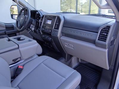 2020 Ford F-550 Regular Cab DRW 4x2, Knapheide PGND Gooseneck Platform Body #T6275 - photo 22