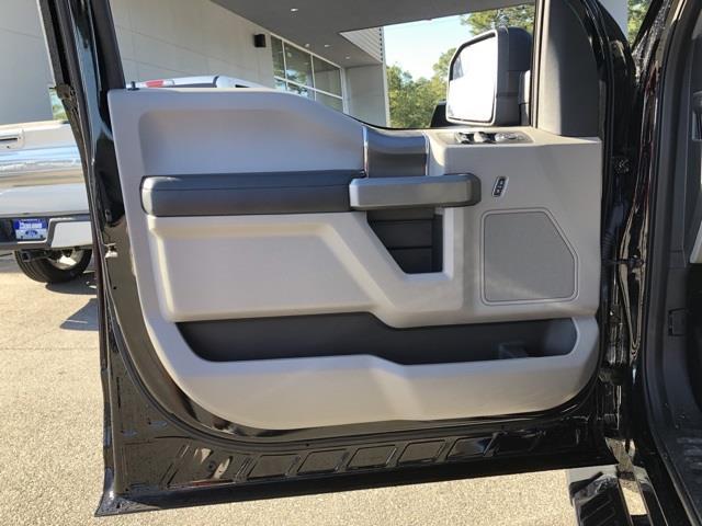 2016 Ford F-150 SuperCrew Cab 4x2, Pickup #T64021 - photo 15