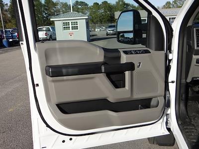 2020 Ford F-550 Crew Cab DRW 4x2, Knapheide PGNB Gooseneck Platform Body #T6457 - photo 16