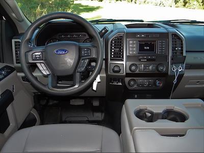 2020 Ford F-550 Crew Cab DRW 4x2, Knapheide PGNB Gooseneck Platform Body #T6457 - photo 4