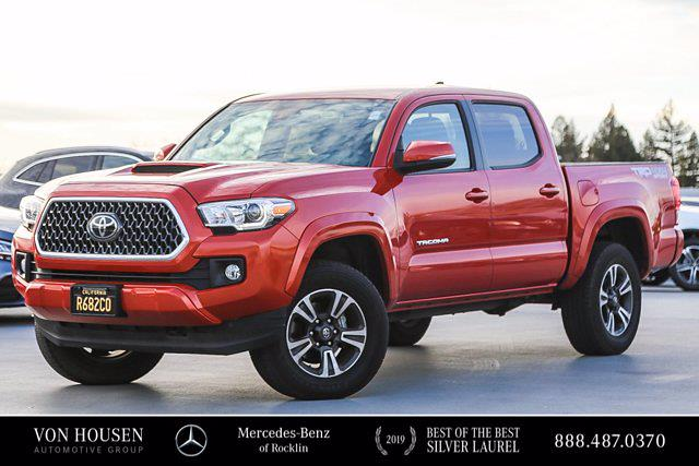 2018 Toyota Tacoma Double Cab 4x4, Pickup #U13736 - photo 1