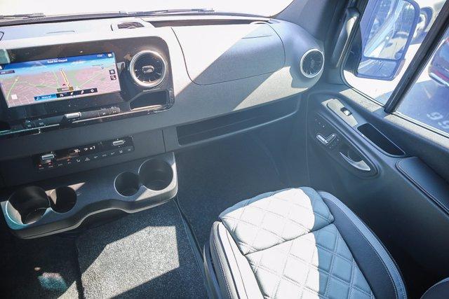 2019 Mercedes-Benz Sprinter 2500 Standard Roof 4x4, Other/Specialty #U13951 - photo 9
