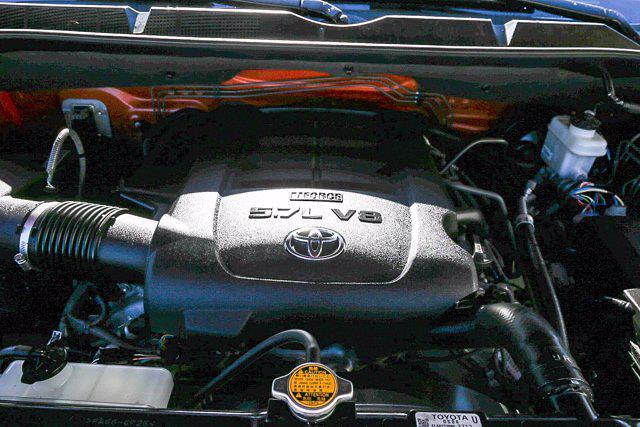 2015 Toyota Tundra Crew Cab 4x4, Pickup #U14204 - photo 24