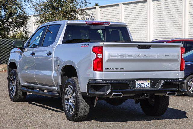 2019 Chevrolet Silverado 1500 Crew Cab 4x4, Pickup #B15847 - photo 2