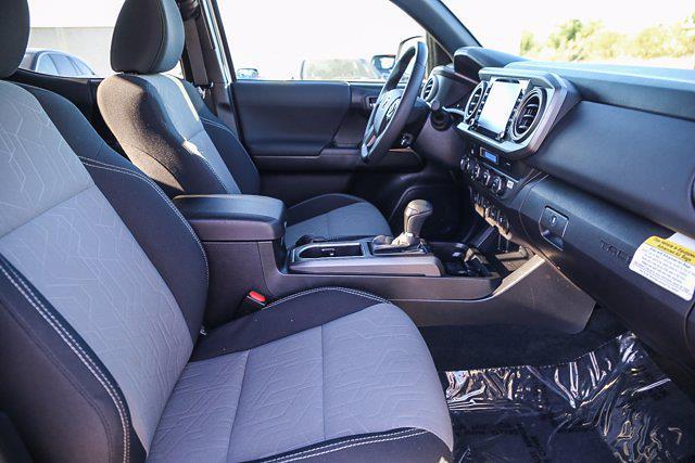 2021 Toyota Tacoma 4x4, Pickup #B16236 - photo 6