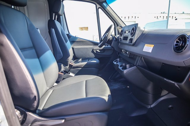 2020 Mercedes-Benz Sprinter 2500 Standard Roof RWD, Empty Cargo Van #SP2204 - photo 7