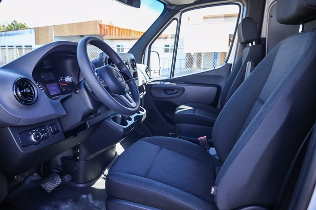 2020 Mercedes-Benz Sprinter 2500 Standard Roof RWD, Empty Cargo Van #SP2205 - photo 8