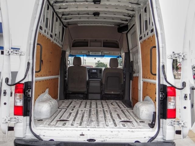 2017 Nissan NV HD High Roof 4x2, Empty Cargo Van #T808437 - photo 1