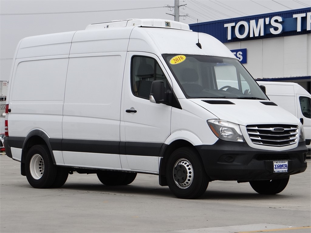 2016 Freightliner Sprinter, Thermo King Refrigerated Body #U229260 - photo 1