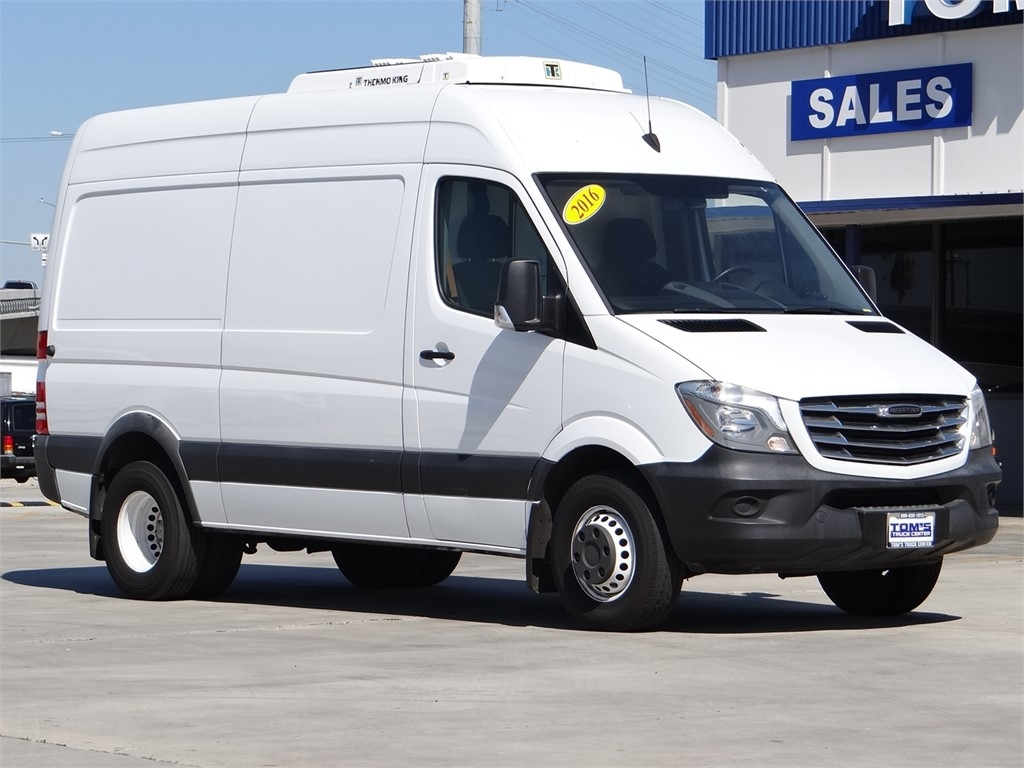 2016 Freightliner Sprinter, Thermo King Refrigerated Body #U229261 - photo 1