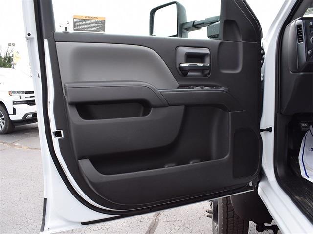 2021 Silverado 6500 Crew Cab DRW 4x4,  Monroe Truck Equipment MTE-Zee Dump Body #CT06955 - photo 59