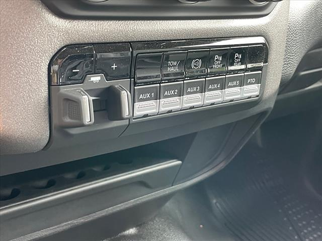 2020 Ram 4500 Regular Cab DRW 4x4, Cab Chassis #RM454 - photo 17