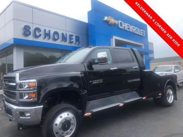 2020 Chevrolet Silverado 4500 Crew Cab DRW 4x4, The Utility Bodywerks Hauler Body #T20153 - photo 1