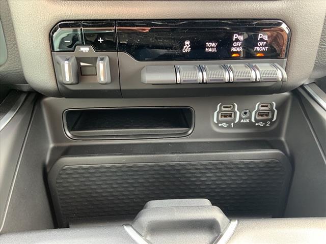 2021 Ram 1500 Quad Cab 4x4, Pickup #671-21 - photo 28