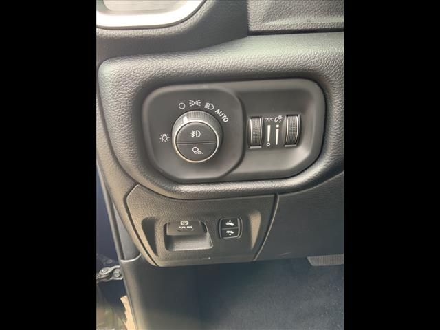 2019 Ram 1500 Crew Cab 4x4, Pickup #784161K - photo 14