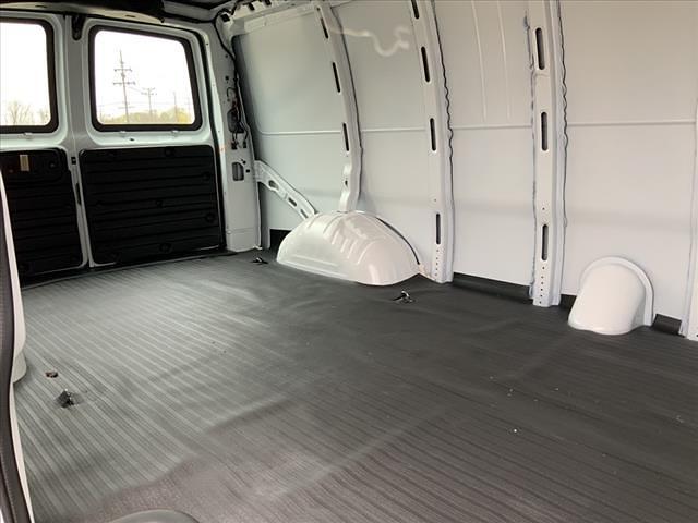 2020 GMC Savana 2500 4x2, Empty Cargo Van #B192332L - photo 31