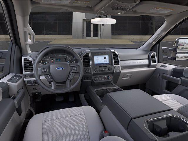 2021 Ford F-350 Crew Cab 4x4, Pickup #2829W3B - photo 9
