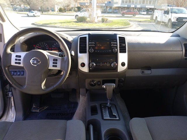 2014 Nissan Frontier 4x4, Pickup #L1547B - photo 15
