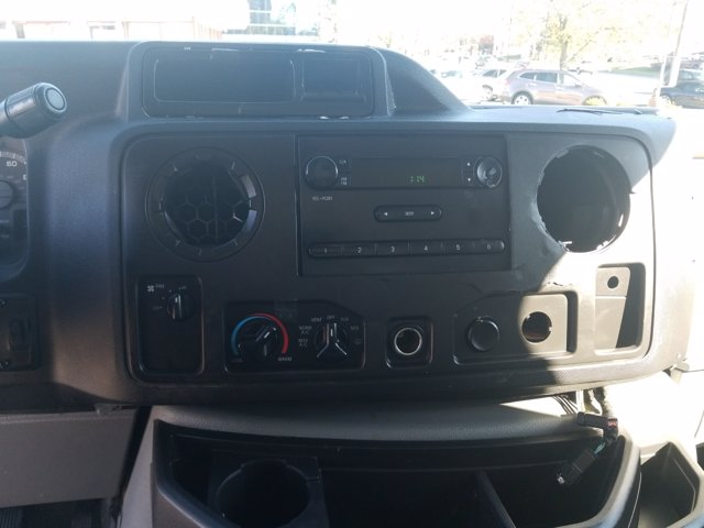 2013 Ford E-350 4x2, Cutaway Van #L1708A - photo 19