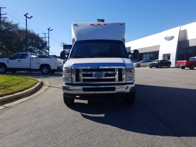 2013 Ford E-350 4x2, Cutaway Van #L1708A - photo 3