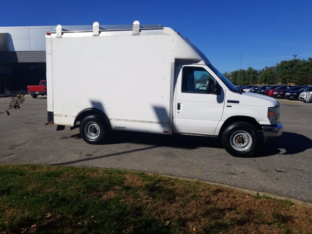 2013 Ford E-350 4x2, Cutaway Van #L1708A - photo 5