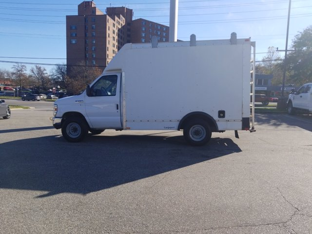 2013 Ford E-350 4x2, Cutaway Van #L1708A - photo 8