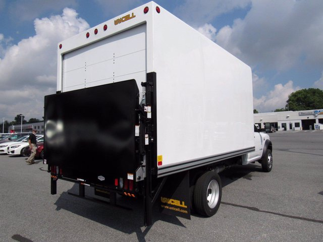 2020 Ram 5500 Regular Cab DRW 4x2, Unicell Dry Freight #0451020 - photo 1