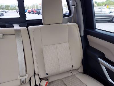 2019 Nissan Titan Crew Cab 4x4, Pickup #1991510 - photo 21