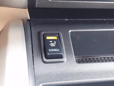 2019 Nissan Titan Crew Cab 4x4, Pickup #1991510 - photo 37