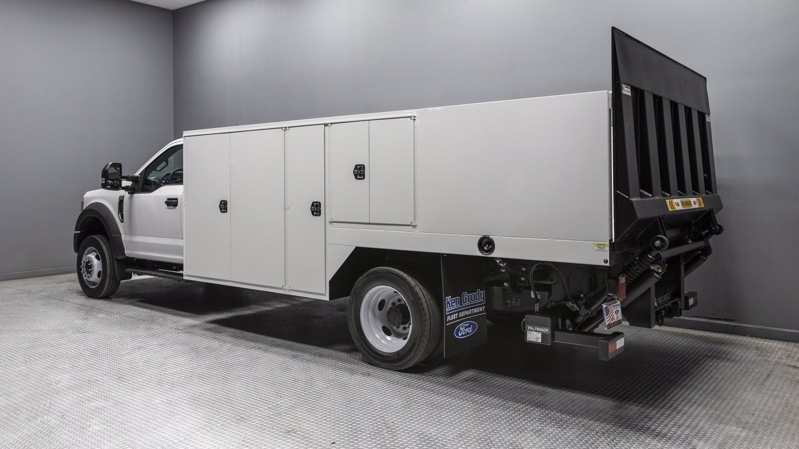 2020 Ford F-550 Regular Cab DRW RWD, Harbor Saw Body #02079 - photo 1