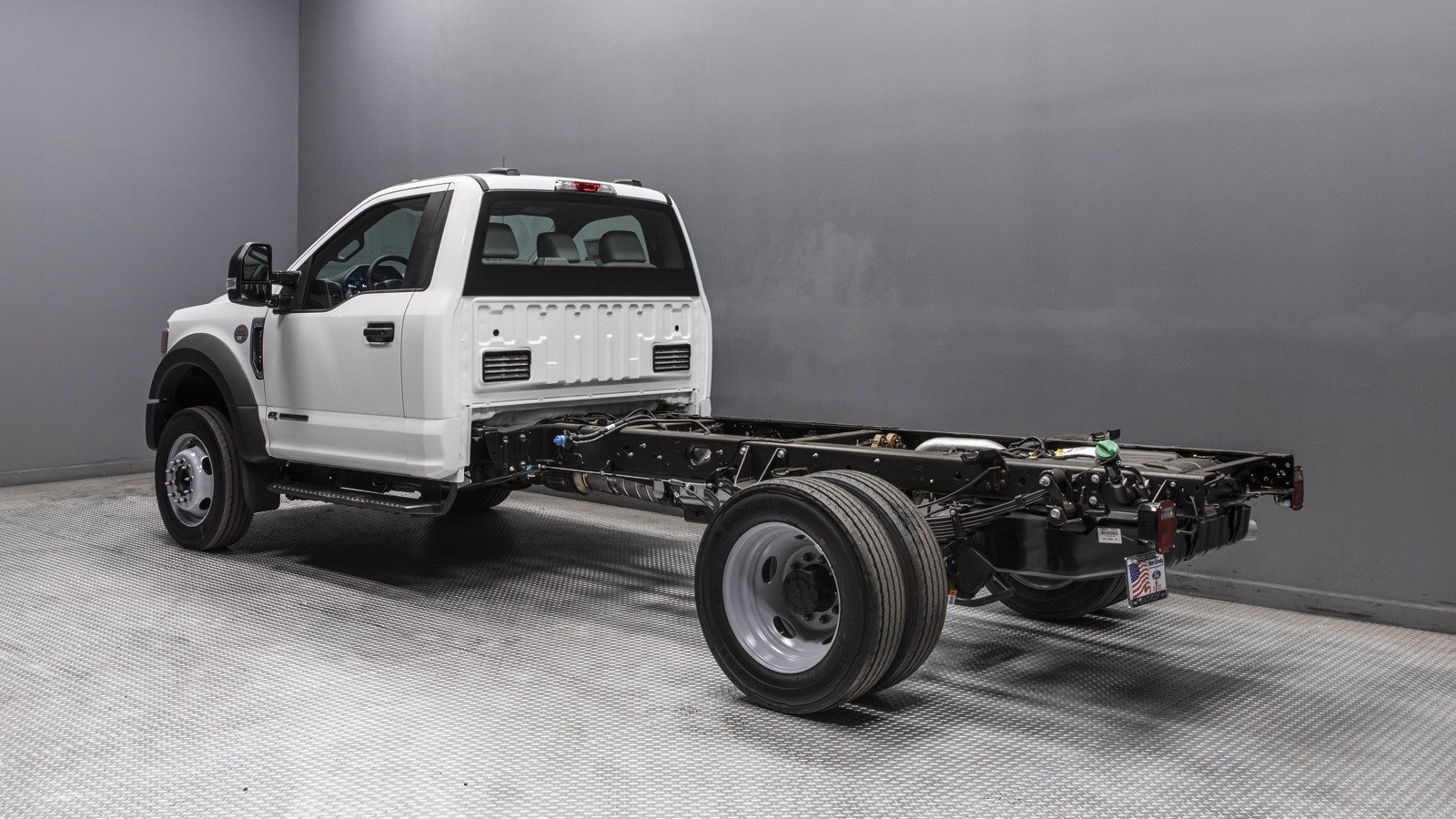 2020 Ford F-550 Regular Cab DRW RWD, Cab Chassis #02369 - photo 1