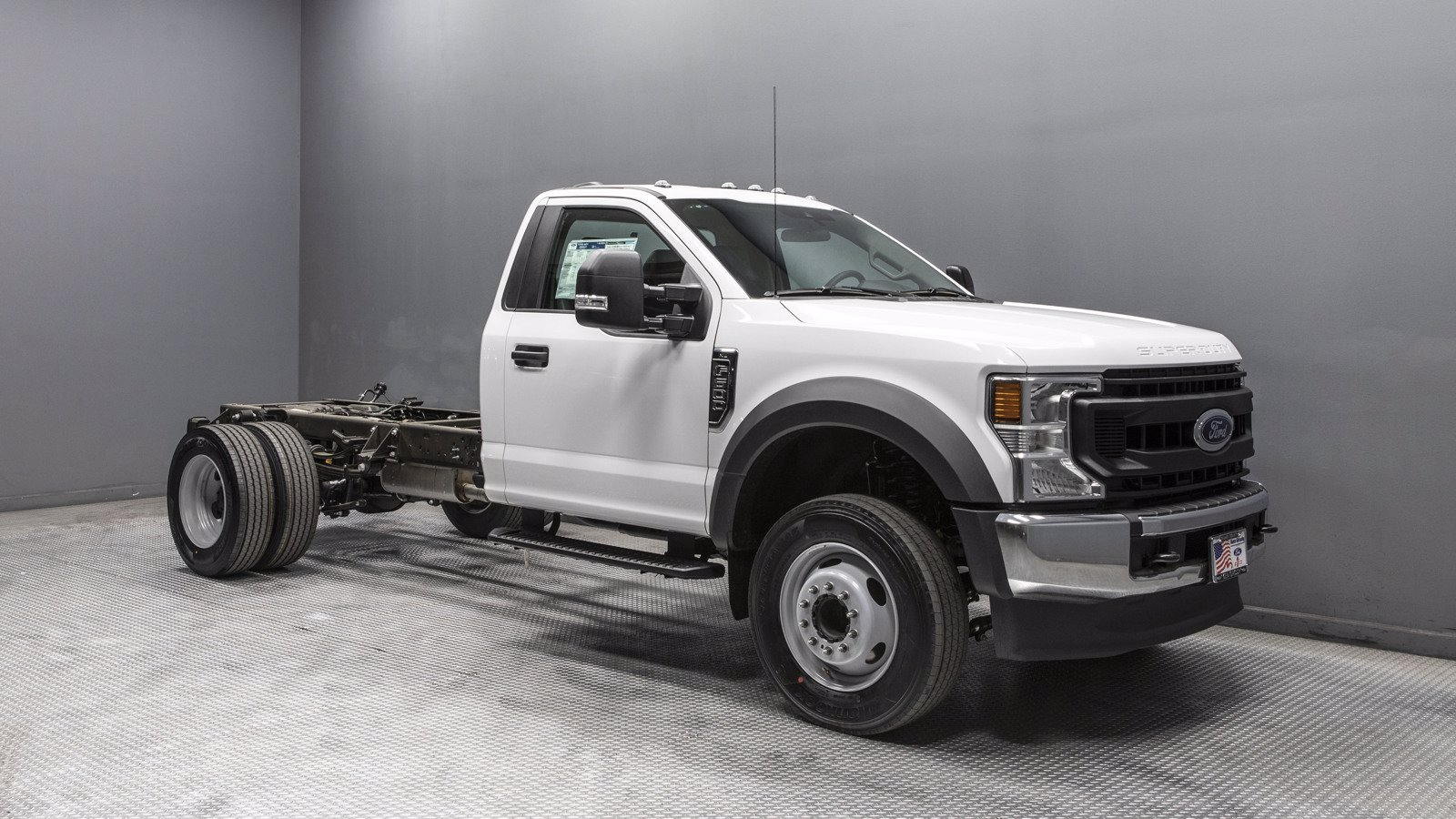 2020 Ford F-600 Regular Cab DRW 4x2, Cab Chassis #04040 - photo 1
