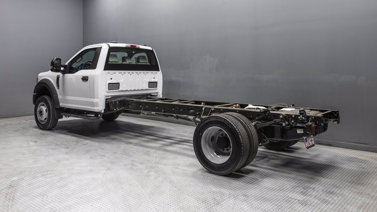 2020 Ford F-600 Regular Cab DRW 4x2, Cab Chassis #04055 - photo 1