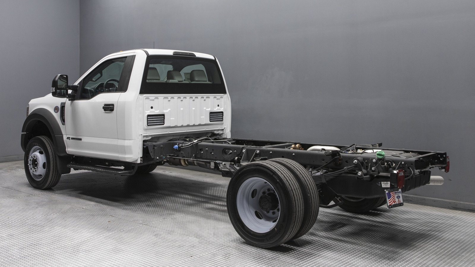 2019 Ford F-550 Regular Cab DRW RWD, Cab Chassis #23312 - photo 1