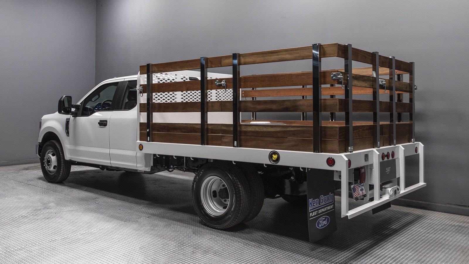 2021 Ford F-350 Super Cab DRW 4x2, Scelzi Stake Bed #216488 - photo 1