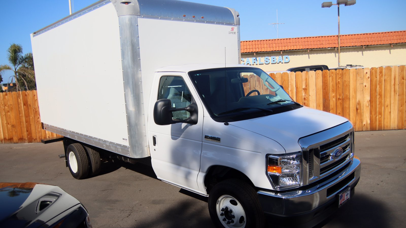 2021 Ford E-450 4x2, Supreme Cutaway Van #215065 - photo 1