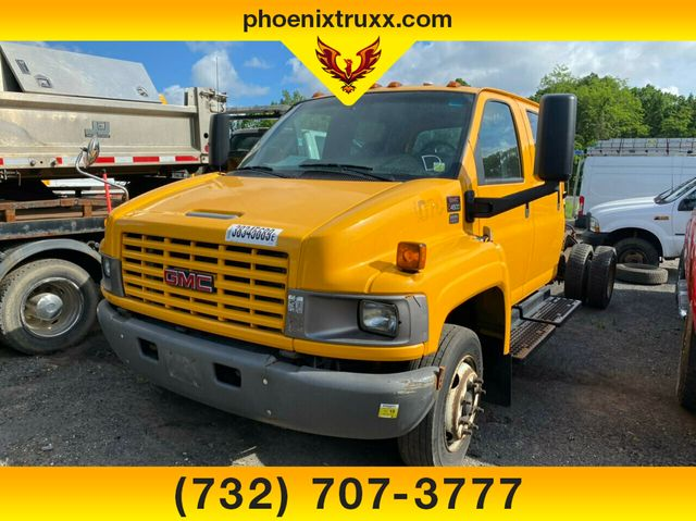 2009 GMC C4500 4x2, Cab Chassis #13316 - photo 1