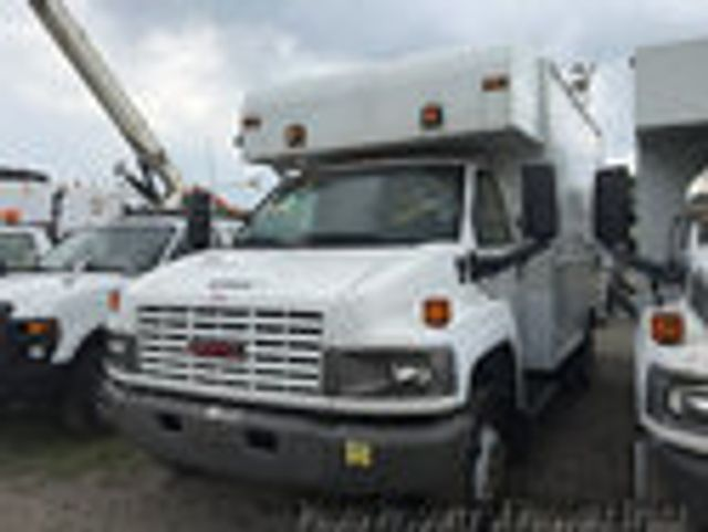 2009 GMC C5500 RWD, Dry Freight #13669 - photo 1