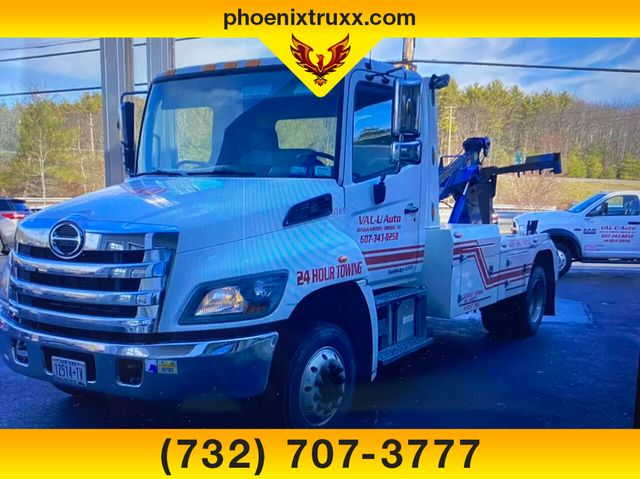 2016 Hino Truck 4x2, Wrecker Body #13821 - photo 1