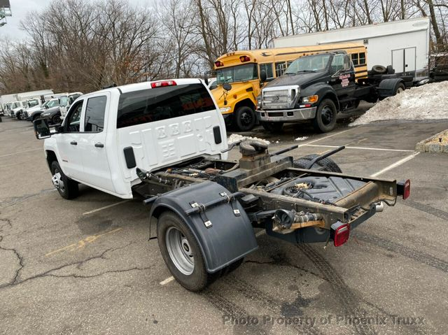 2018 Chevrolet Silverado 3500 Crew Cab 4x4, Hauler Body #13839 - photo 1