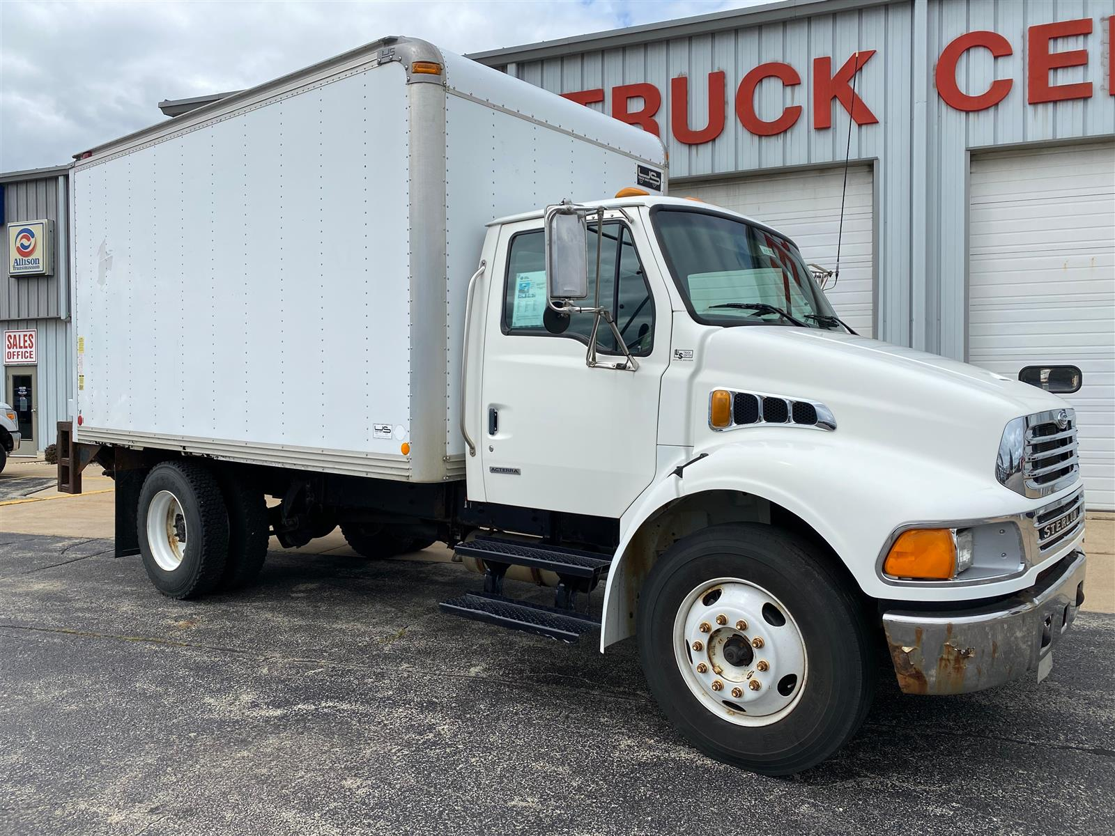 2005 Sterling Truck 4x2, Dry Freight #10572 - photo 1
