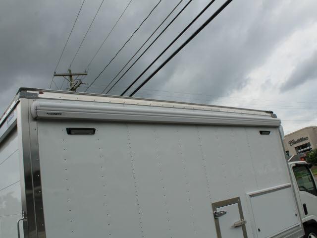 2020 Isuzu NRR Regular Cab 4x2, Supreme Kold King Refrigerated Body #IZ1535 - photo 9