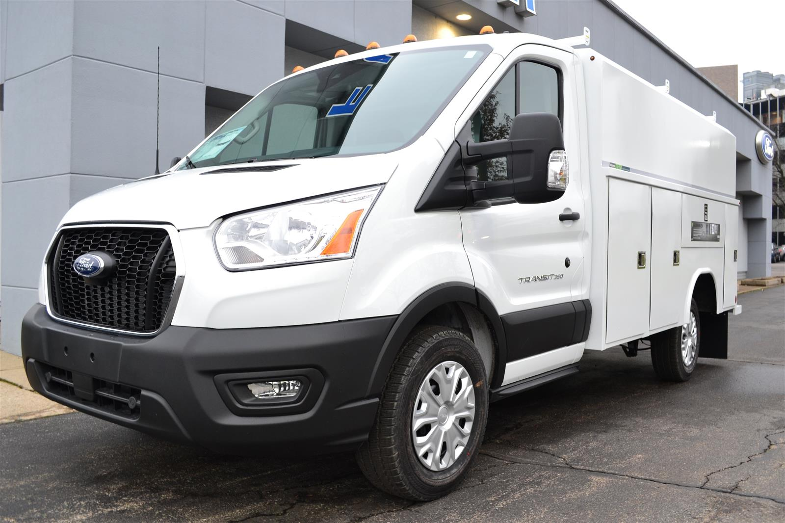 2020 Ford Transit 350 4x2, Reading Service Utility Van #A552 - photo 1